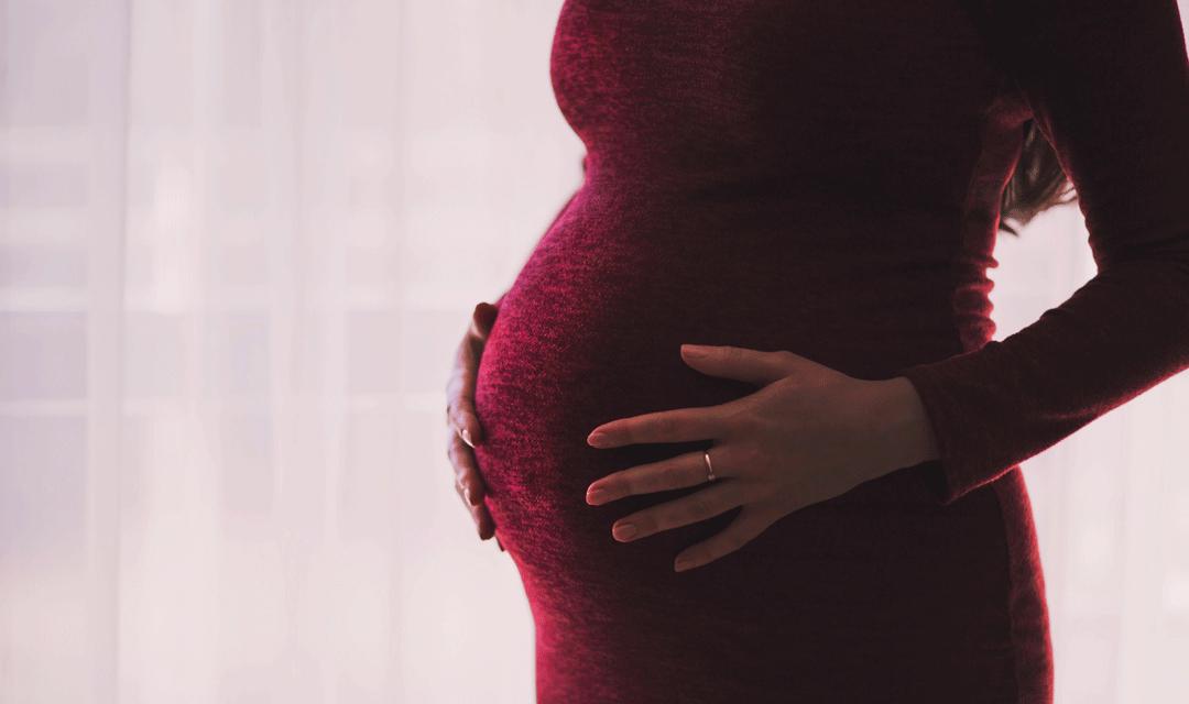 Czy dziecko w 25. tygodniu ciąży już słyszy? Czy warto do niego mówić?